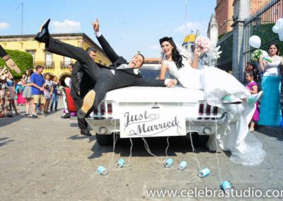fotografo bodas san miguel de allende coche nupcial